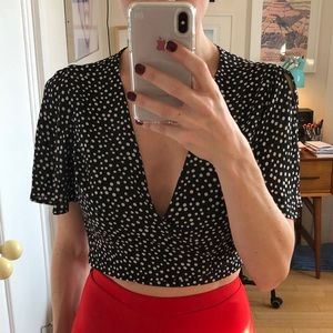 Lulu's Polka Dot Tie-Front Crop Blouse Size Small